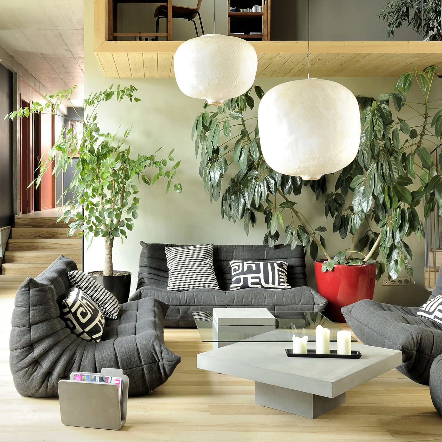 setting the stage the benefits of staging your home for sale france s n blog. Black Bedroom Furniture Sets. Home Design Ideas